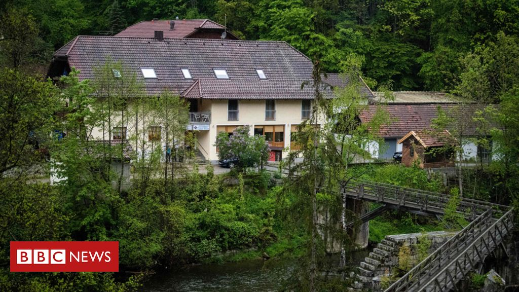 German crossbow deaths: Two shot through heart