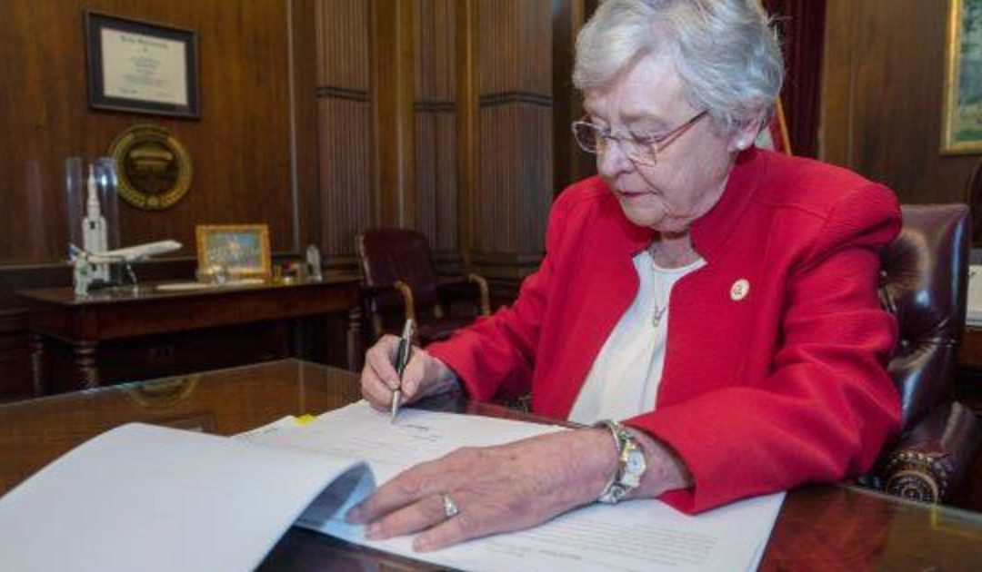 Alabama abortion law: Gov. Kay Ivey signs near-total abortion ban today – live updates – CBS News
