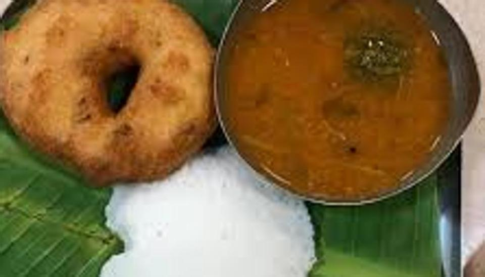 Nagpur man allegedly finds dead lizard in vada sambar at Haldiram's, outlet shut