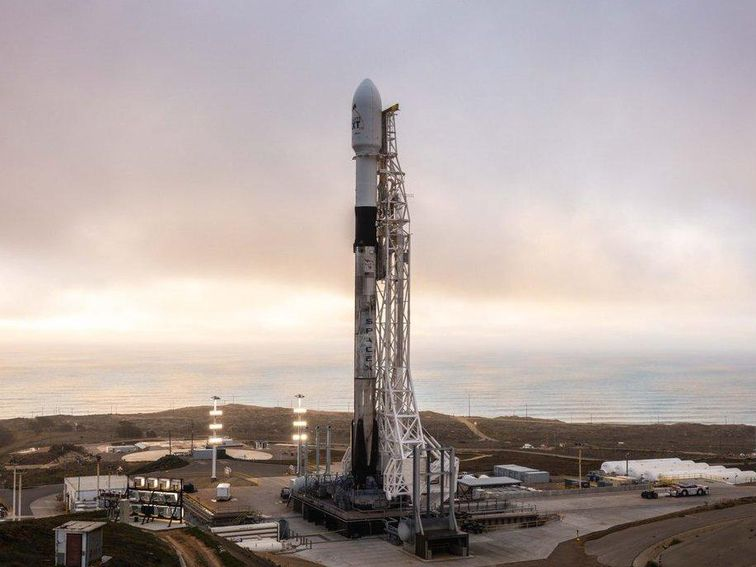 SpaceX Starlink launch scrubbed due to high winds, now set to launch Thursday – CNET