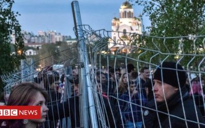 Russian church scheme halted after protests