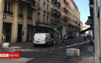 Explosion injures pedestrians in Lyon
