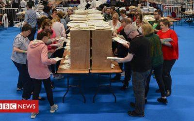 Ireland votes to liberalise divorce laws