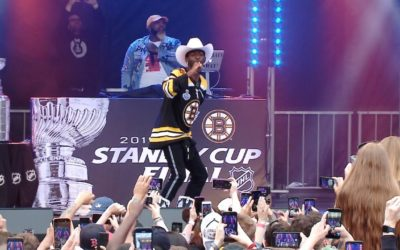 "Lil Nas X performs ""Old Town Road"" before Game 1 – NHL"