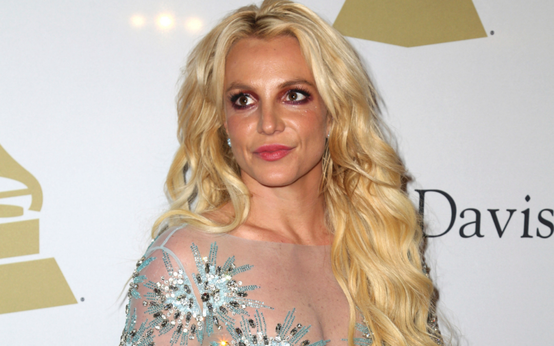Britney Spears flaunts bikini body while firing back at online conspiracy theorists