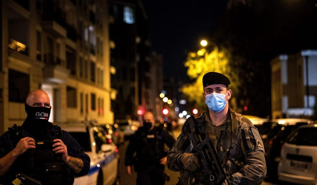 French manhunt under way after shooting of Greek priest