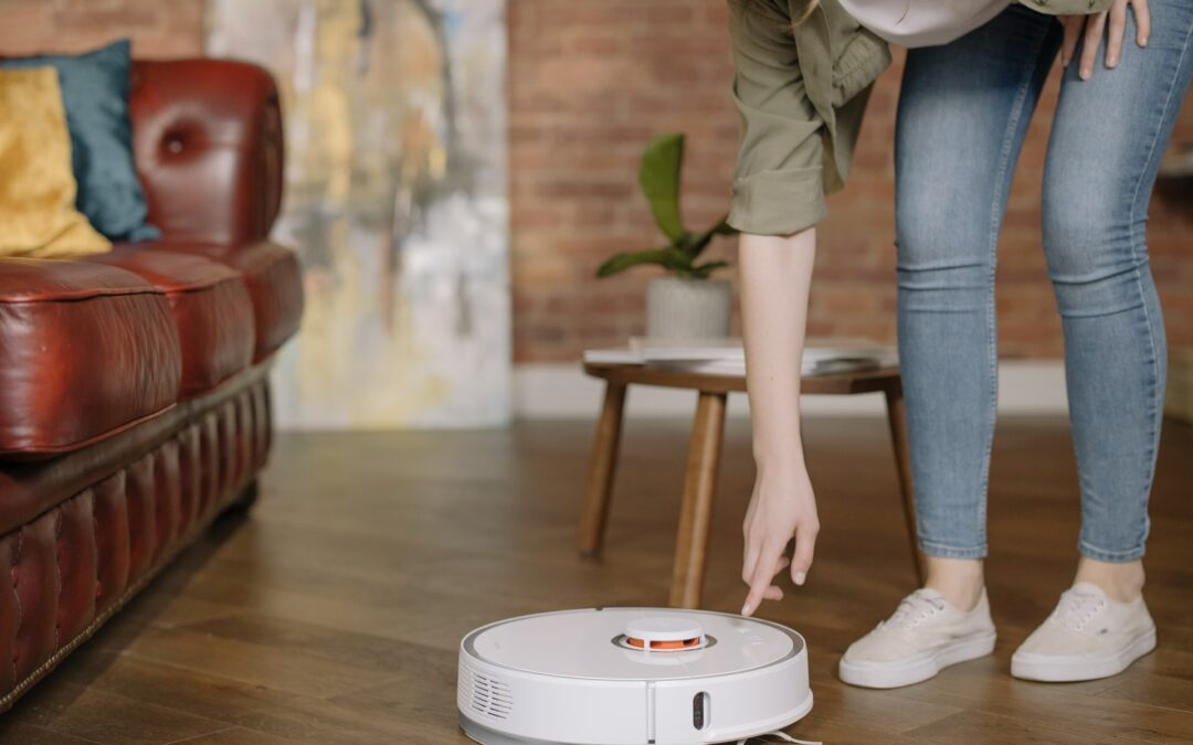 ROOMBA Spying On You? Robot Vacuum Cleaners Hacked To Record In Homes...