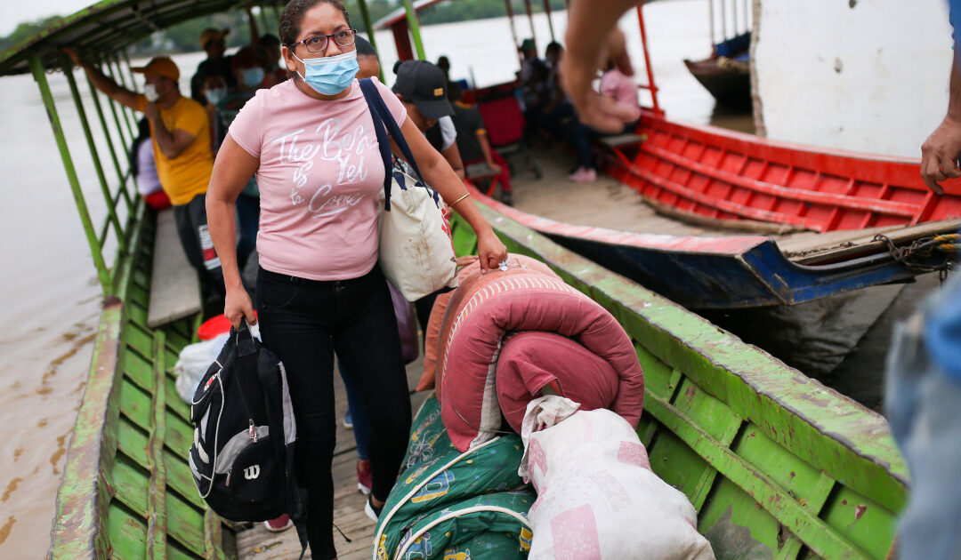 'Humanitarian time bomb': 4,700 Venezuelans flee to Colombia