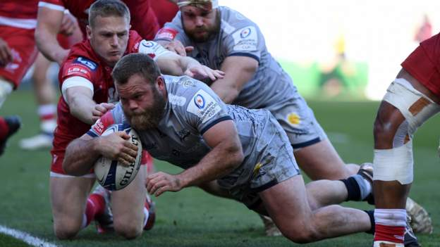 Rampant Sale hammer Scarlets to reach first Champions Cup quarter-final since 2006