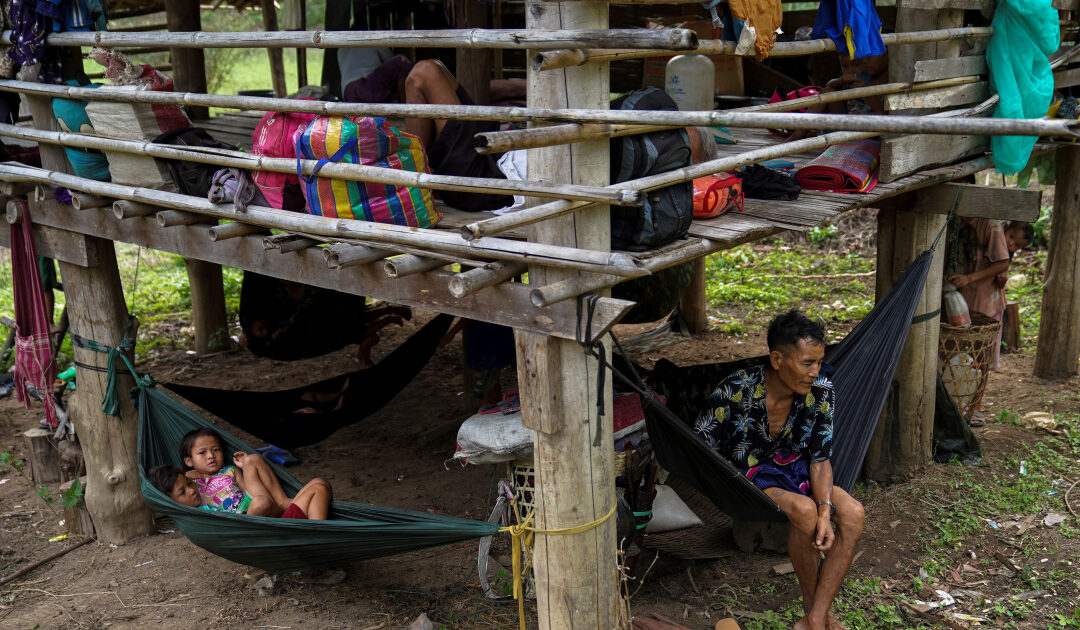 Thousands poised to flee to Thailand due to violence in Myanmar