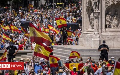 Madrid protests: Thousands rally against Catalan pardons