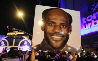 China-Pandering LeBron James Becomes NBA's First $1 Billion Player