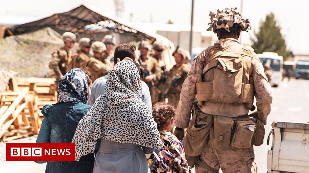 Afghanistan evacuations: 'Hours not weeks' for final UK flights